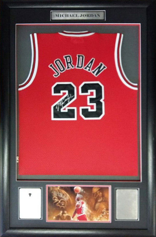 brand new 57a14 e74c6 Michael Jordan Signed Chicago Bulls Jersey