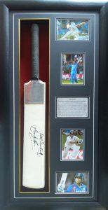 Sachin Tendulkar: Signed cricket bat