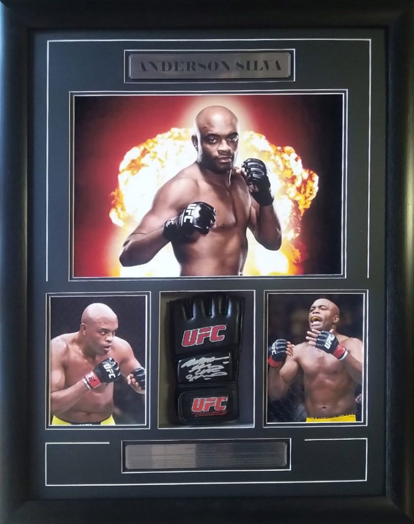 Anderson Silva: Signed UFC Glove