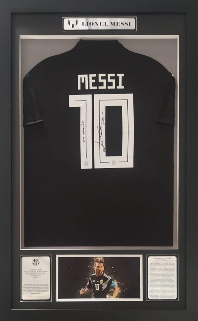 Lionel Messi Signed and Inscribed Argentina Jersey